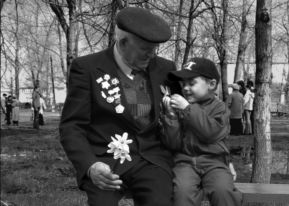 ветеран черно белый рисунок